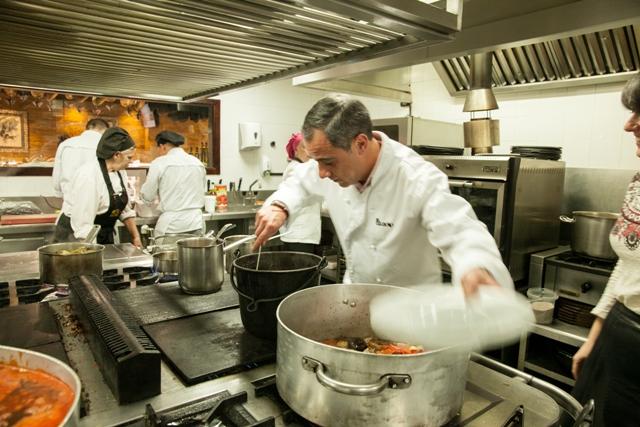 """MG 9144 El restaurante El Caldero y La Barra de la Torre se unen para cocinar una cena murciana """"al alimón"""""""